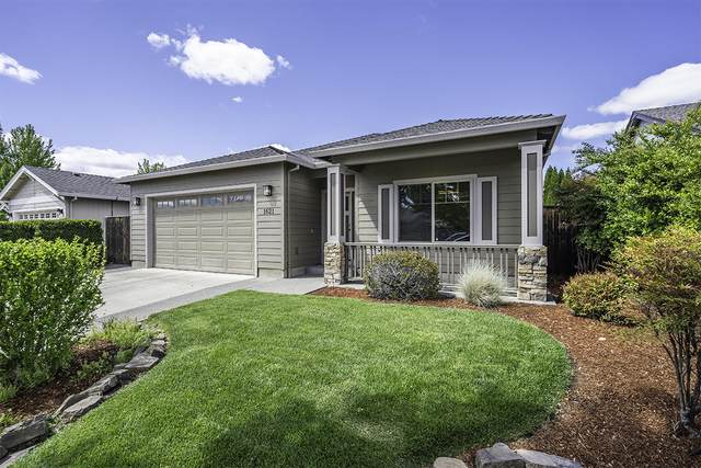 1621 Monarch Lane, Medford, OR 97504 (MLS #220122272) :: Top Agents Real Estate Company