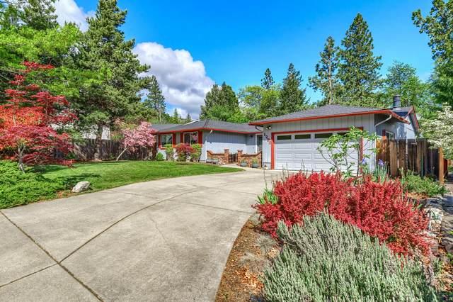 1290 Greenmeadows Way, Ashland, OR 97520 (MLS #220122314) :: Top Agents Real Estate Company