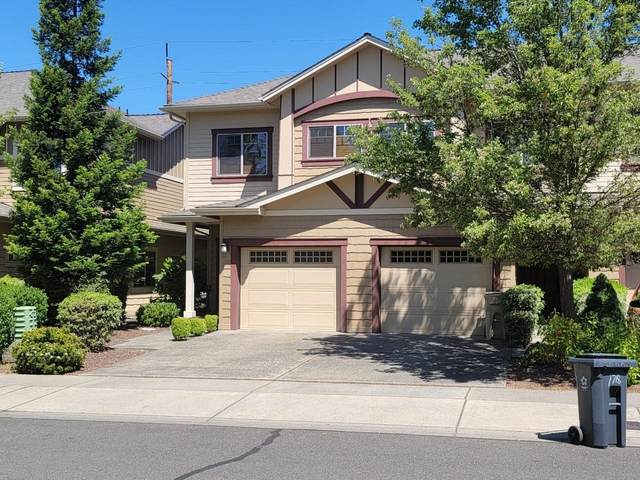 1716 SE Softwood Way, Grants Pass, OR 97526 (MLS #220122488) :: Keller Williams Realty Central Oregon