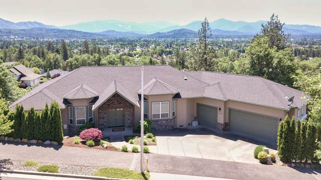 1893 NW Sunview Place, Grants Pass, OR 97526 (MLS #220122751) :: Berkshire Hathaway HomeServices Northwest Real Estate