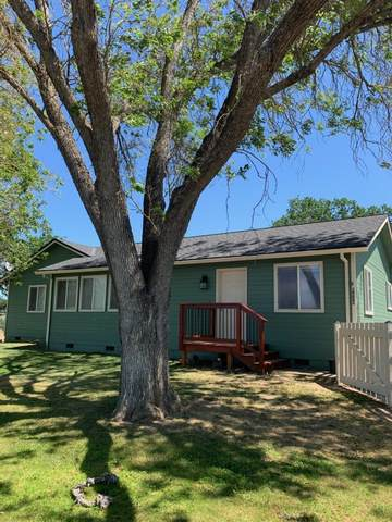 6598 Truax Road, Central Point, OR 97502 (MLS #220122796) :: Coldwell Banker Bain