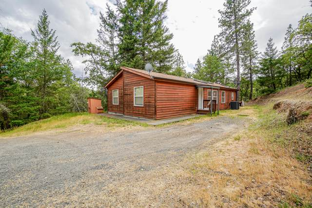 479 Wagon Trail Drive, Jacksonville, OR 97530 (MLS #220123577) :: Berkshire Hathaway HomeServices Northwest Real Estate