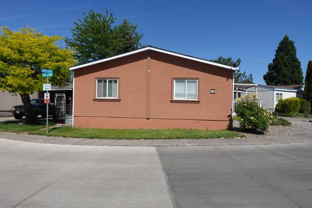 738 Hedy Jayne, Medford, OR 97501 (MLS #220123753) :: Chris Scott, Central Oregon Valley Brokers