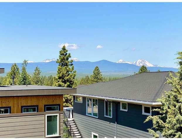 2645 NW Sky Vista Court, Bend, OR 97703 (MLS #220124177) :: Stellar Realty Northwest