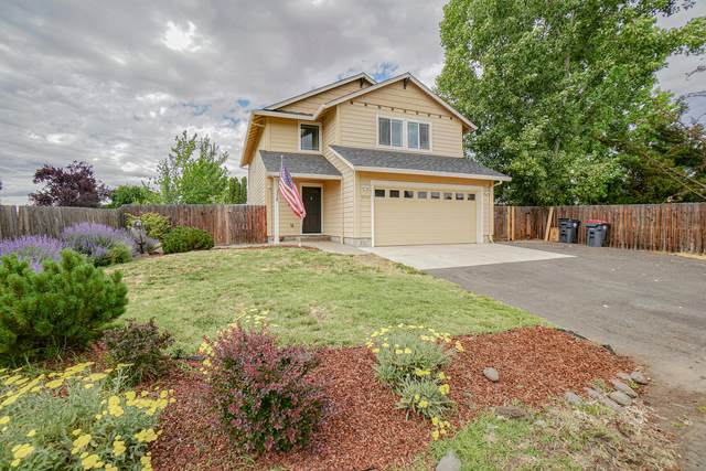 2043 Temple Drive, Medford, OR 97504 (MLS #220124260) :: Berkshire Hathaway HomeServices Northwest Real Estate