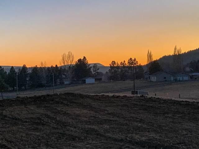 2752 NE Sunrise Trail, Prineville, OR 97754 (MLS #220124361) :: The Riley Group