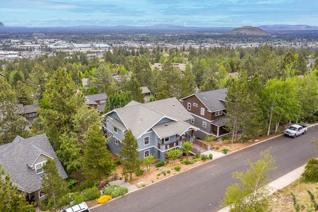 3098 NW Colonial Drive, Bend, OR 97703 (MLS #220124459) :: Berkshire Hathaway HomeServices Northwest Real Estate