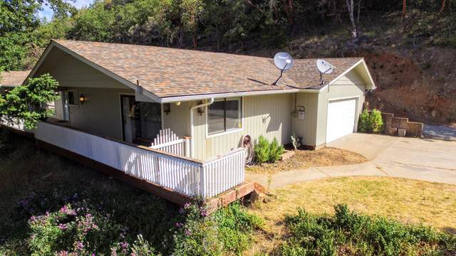 1718 Wetherbee Drive, Grants Pass, OR 97527 (MLS #220124506) :: Berkshire Hathaway HomeServices Northwest Real Estate