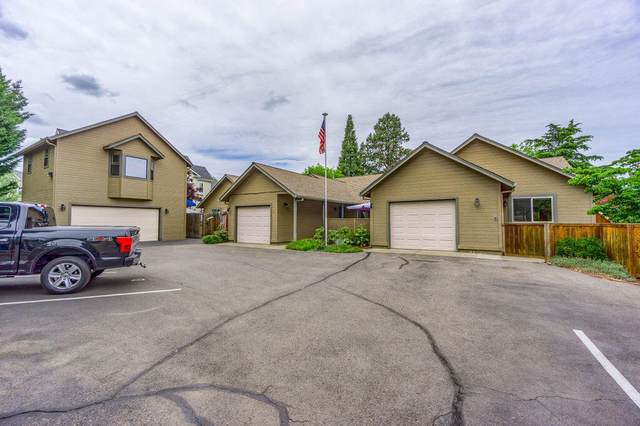 525 G Street, Jacksonville, OR 97530 (MLS #220124533) :: Berkshire Hathaway HomeServices Northwest Real Estate