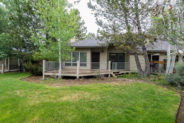 3031 NW Golf View Drive, Bend, OR 97703 (MLS #220124634) :: Stellar Realty Northwest