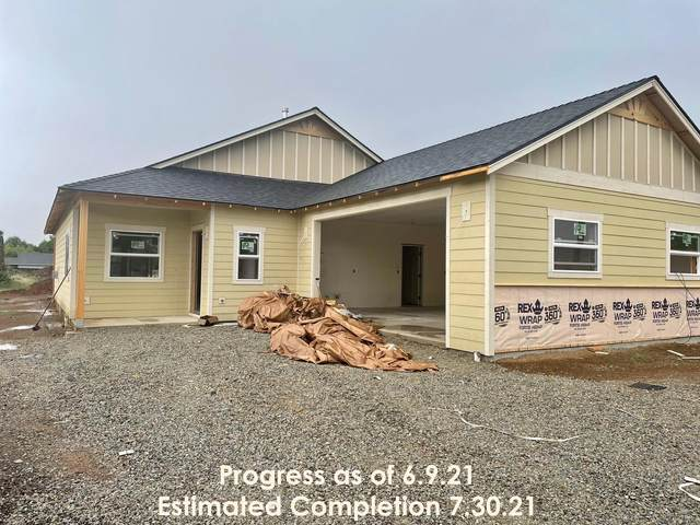 1402 Orchard Home Drive, Medford, OR 97501 (MLS #220124767) :: Berkshire Hathaway HomeServices Northwest Real Estate