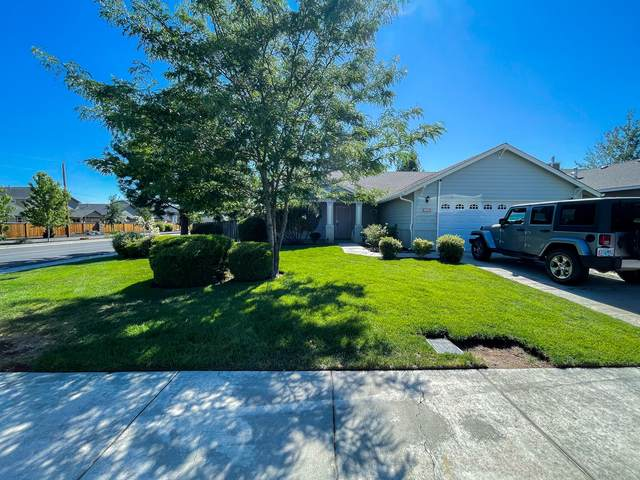 1910 SW 37th Street, Redmond, OR 97756 (MLS #220124881) :: Bend Homes Now