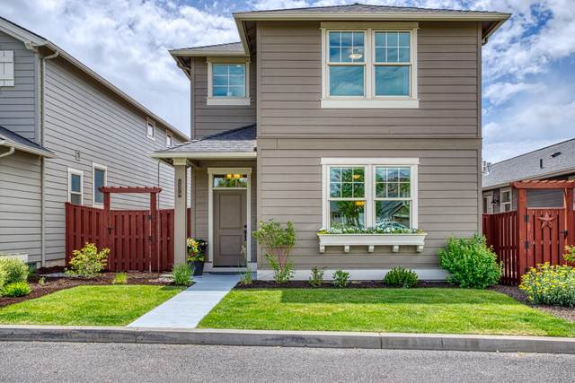 1379-NE NE Barney Street, Prineville, OR 97754 (MLS #220124892) :: Chris Scott, Central Oregon Valley Brokers