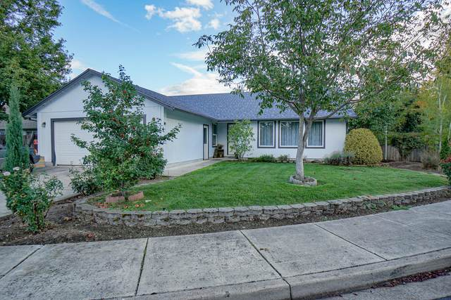 468 Merlee Circle, Eagle Point, OR 97524 (MLS #220124924) :: Schaake Capital Group