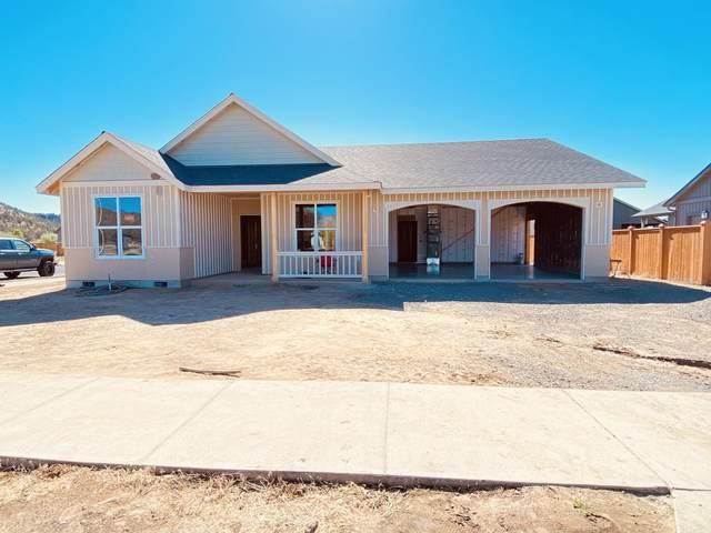 463 SE Sumner Drive, Prineville, OR 97754 (MLS #220125047) :: Chris Scott, Central Oregon Valley Brokers