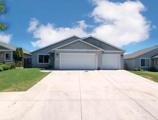 628 NE Robin Place, Prineville, OR 97754 (MLS #220125144) :: Chris Scott, Central Oregon Valley Brokers