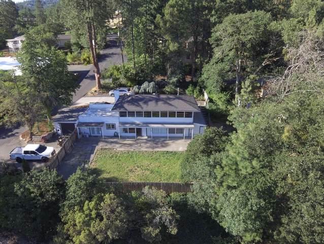 293 NE Scenic Drive, Grants Pass, OR 97526 (MLS #220125312) :: Chris Scott, Central Oregon Valley Brokers