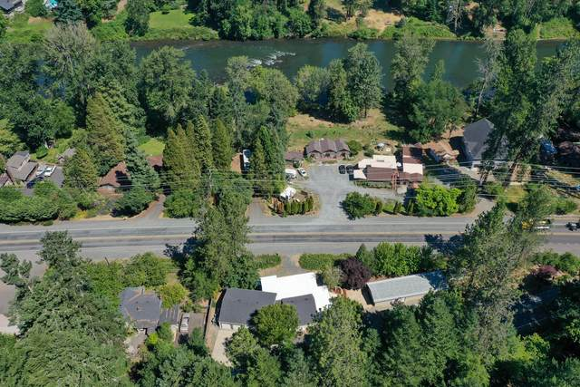 2519 Rogue River Highway, Grants Pass, OR 97527 (MLS #220125683) :: Chris Scott, Central Oregon Valley Brokers