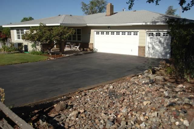 2108 Carlson Drive, Klamath Falls, OR 97603 (MLS #220125749) :: Bend Homes Now
