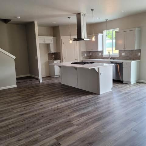 863-Lot 10 SE 5th Street, Prineville, OR 97754 (MLS #220126731) :: Chris Scott, Central Oregon Valley Brokers