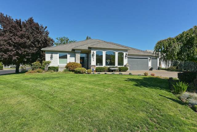105 Spanish Bay Court, Eagle Point, OR 97524 (MLS #220127476) :: The Bifano Home Team