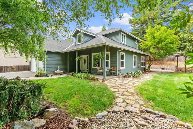 1314 NW Bellevue Place, Grants Pass, OR 97526 (MLS #220127923) :: Coldwell Banker Sun Country Realty, Inc.