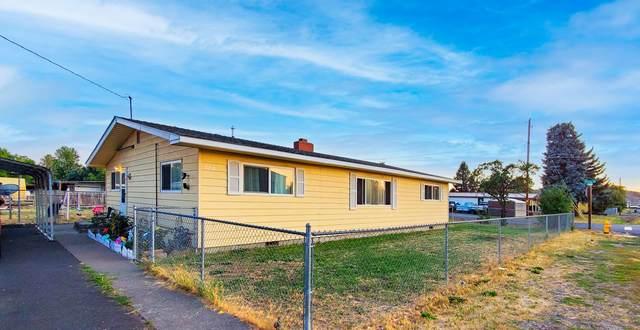 3210 Bristol Avenue, Klamath Falls, OR 97603 (MLS #220128030) :: Premiere Property Group, LLC