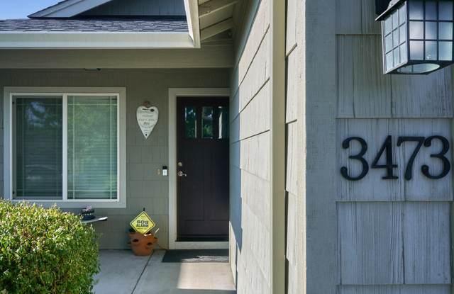 3473 Camas Lane, White City, OR 97503 (MLS #220128338) :: Vianet Realty