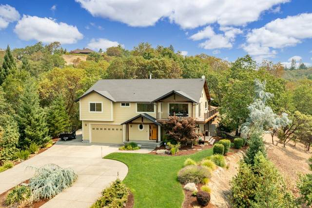 801 S Vannoy Crk Road, Grants Pass, OR 97526 (MLS #220128596) :: The Bifano Home Team