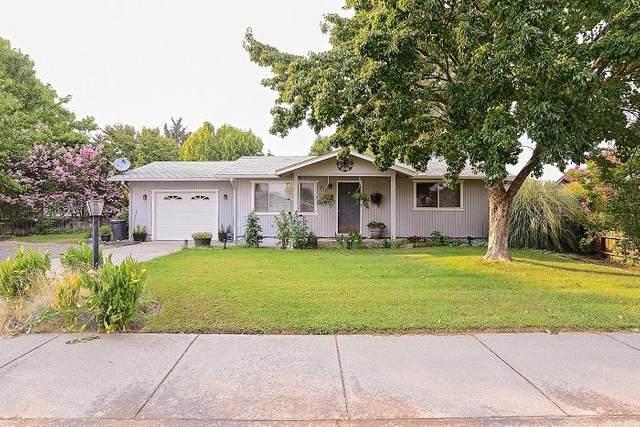 215 Arnwood Street, Medford, OR 97501 (MLS #220128850) :: Stellar Realty Northwest