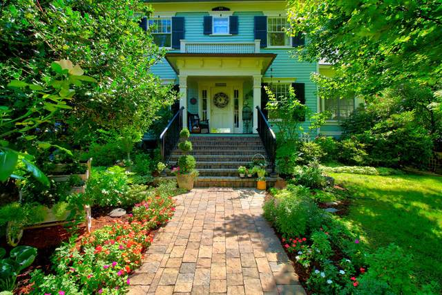 1320 E Main Street, Medford, OR 97504 (MLS #220129742) :: Premiere Property Group, LLC