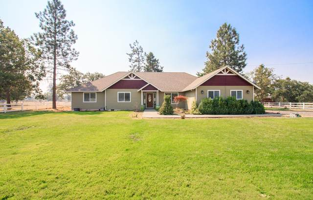 649 Glass Lane, White City, OR 97503 (MLS #220130261) :: Coldwell Banker Sun Country Realty, Inc.