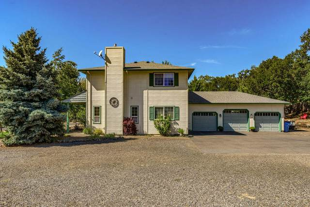 5682 Fishers Ferry Road, Gold Hill, OR 97525 (MLS #220130377) :: FORD REAL ESTATE