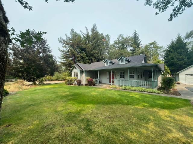120 Mountain Pine Drive, Grants Pass, OR 97526 (MLS #220130526) :: Premiere Property Group, LLC