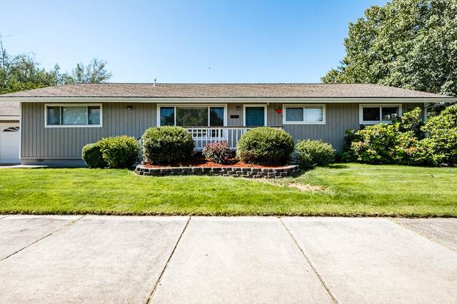 3000 Delta Waters Road, Medford, OR 97504 (MLS #220131393) :: The Bifano Home Team