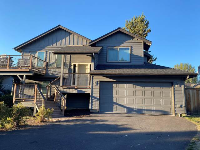 20726 NE Russell Drive, Bend, OR 97701 (MLS #220131422) :: Arends Realty Group