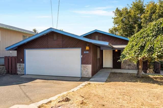 222 W Oregon Avenue, Klamath Falls, OR 97601 (MLS #220131545) :: Vianet Realty