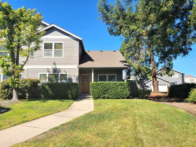 329 Cascade Drive, Central Point, OR 97502 (MLS #220131790) :: Vianet Realty