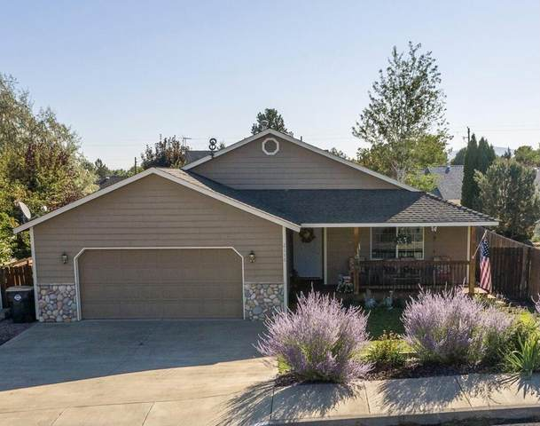 2116 SW 35th Place, Redmond, OR 97756 (MLS #220131963) :: Berkshire Hathaway HomeServices Northwest Real Estate