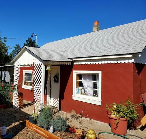 2950 Foothill Boulevard, Grants Pass, OR 97526 (MLS #220132233) :: Team Birtola   High Desert Realty