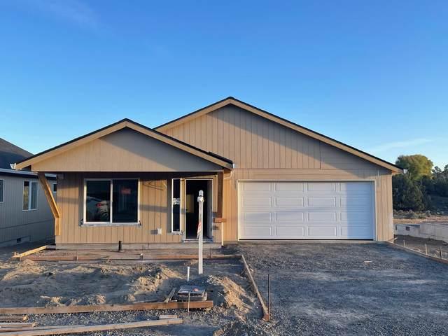 694 NE Brookstone Drive, Prineville, OR 97754 (MLS #220132236) :: Bend Homes Now