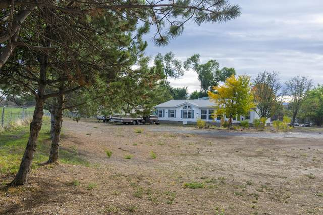 2725 NW Brookfield Court, Prineville, OR 97754 (MLS #220132256) :: Oregon Farm & Home Brokers