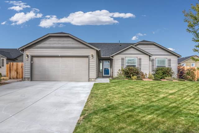 327 SW 32nd Street, Redmond, OR 97756 (MLS #220132318) :: Arends Realty Group