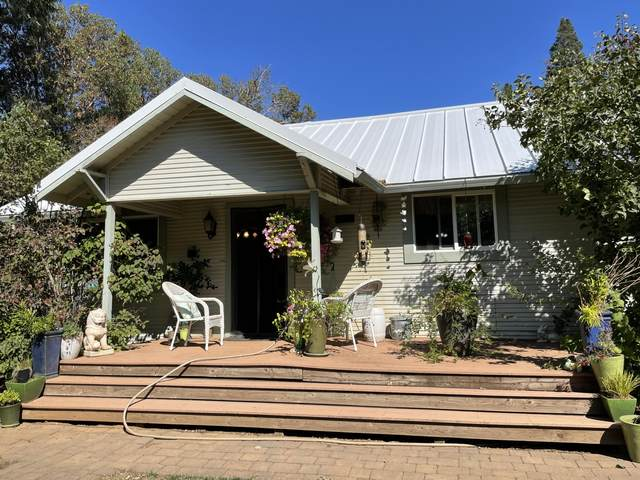 800 Deer Creek Road, Selma, OR 97538 (MLS #220132330) :: FORD REAL ESTATE