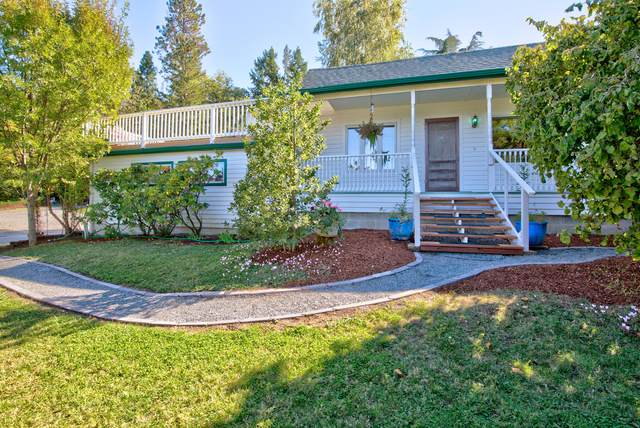 1043 Thelma Way, Grants Pass, OR 97527 (MLS #220132513) :: Schaake Capital Group