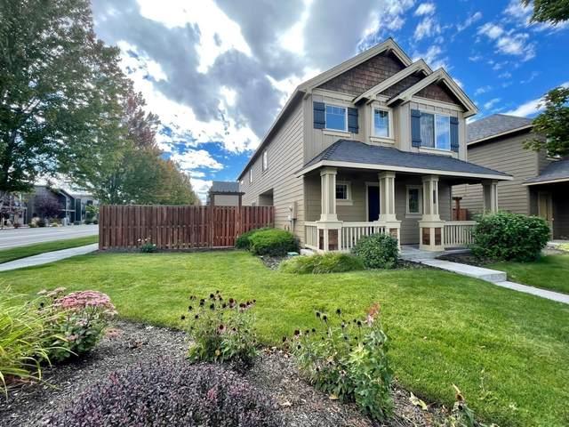 2720 NW Elm Avenue, Redmond, OR 97756 (MLS #220132518) :: Bend Homes Now