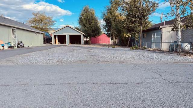 3rd Ave, Culver, OR 97734 (MLS #220132738) :: Oregon Farm & Home Brokers