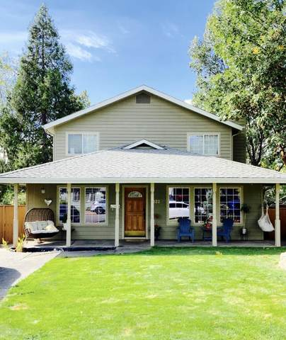 422 NE 11th Street, Grants Pass, OR 97526 (MLS #220133224) :: Coldwell Banker Sun Country Realty, Inc.