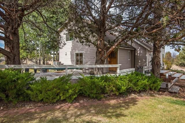 22222 Sweetgrass Drive, Bend, OR 97702 (MLS #220133310) :: Oregon Farm & Home Brokers
