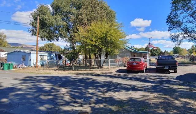 3911-3917 Altamont Drive, Klamath Falls, OR 97603 (MLS #220133929) :: Vianet Realty